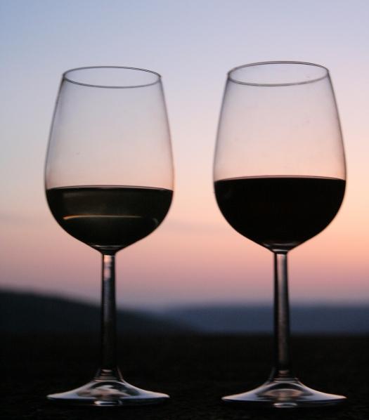 Cuidado con las calorías del vino y del alcohol